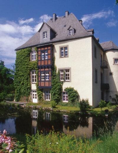 Schloss von Hinten -Grobbel